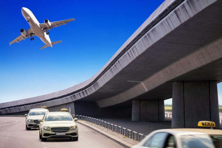 難しいとされる空港からの追跡調査